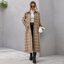 Mantel mit einreihigen Knopfen, Guertel und Plaid Muster
