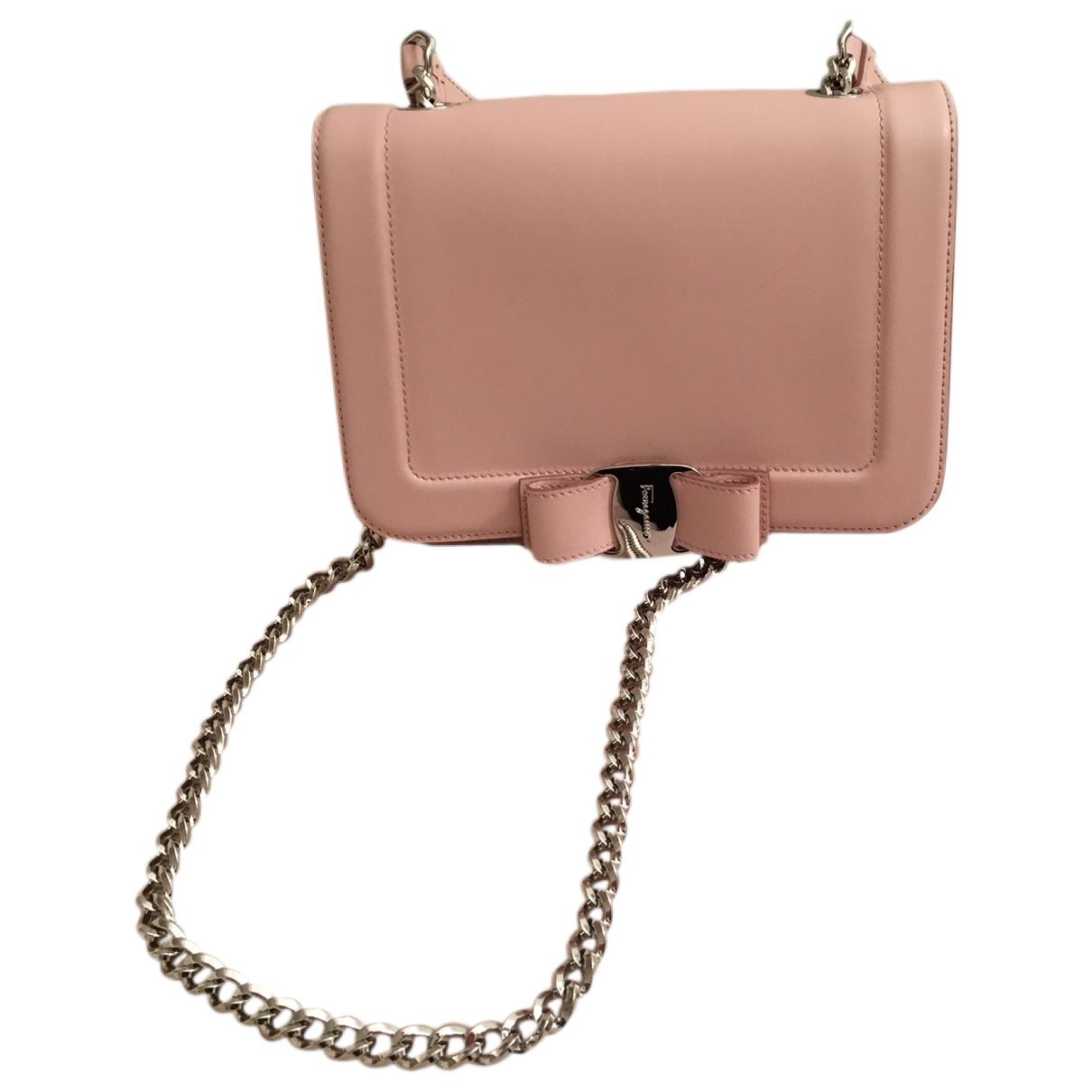 Salvatore Ferragamo \N Pink Leather handbag for Women \N