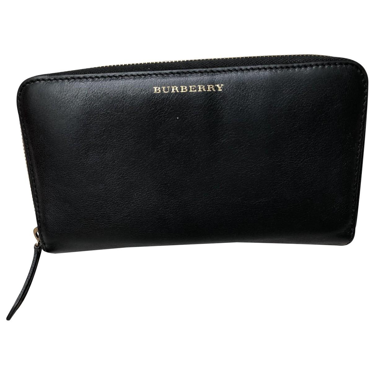 Burberry \N Portemonnaie in  Schwarz Leder