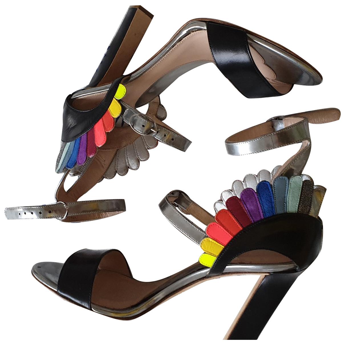Sandalias de Cuero Paula Cademartori
