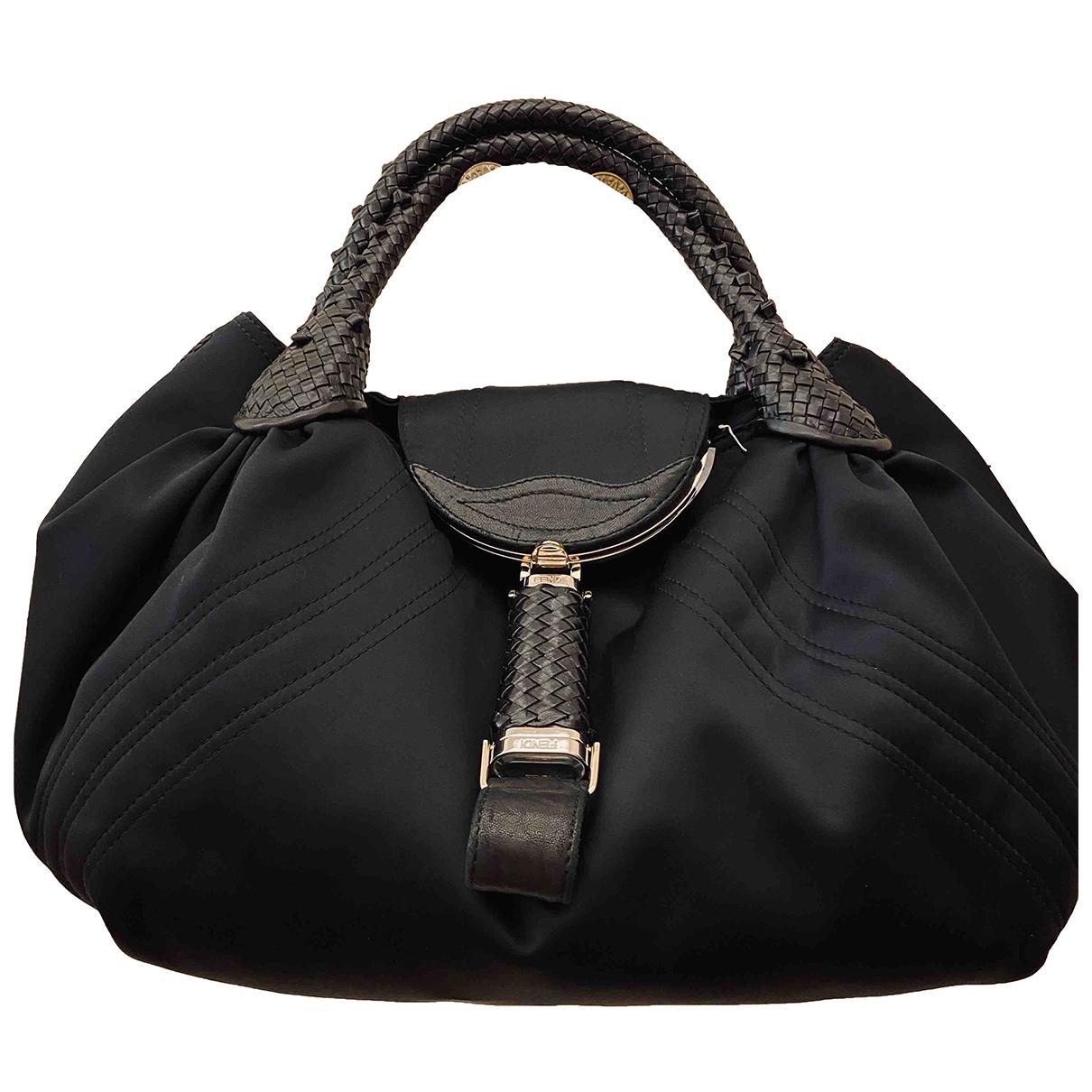 Fendi Spy Handtasche in  Schwarz Leder