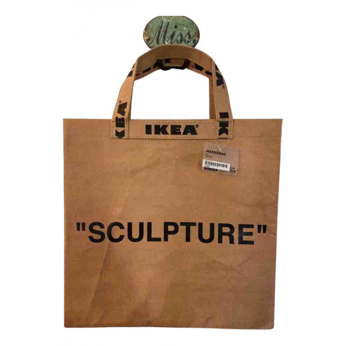 Objeto de decoracion Virgil Abloh X Ikea