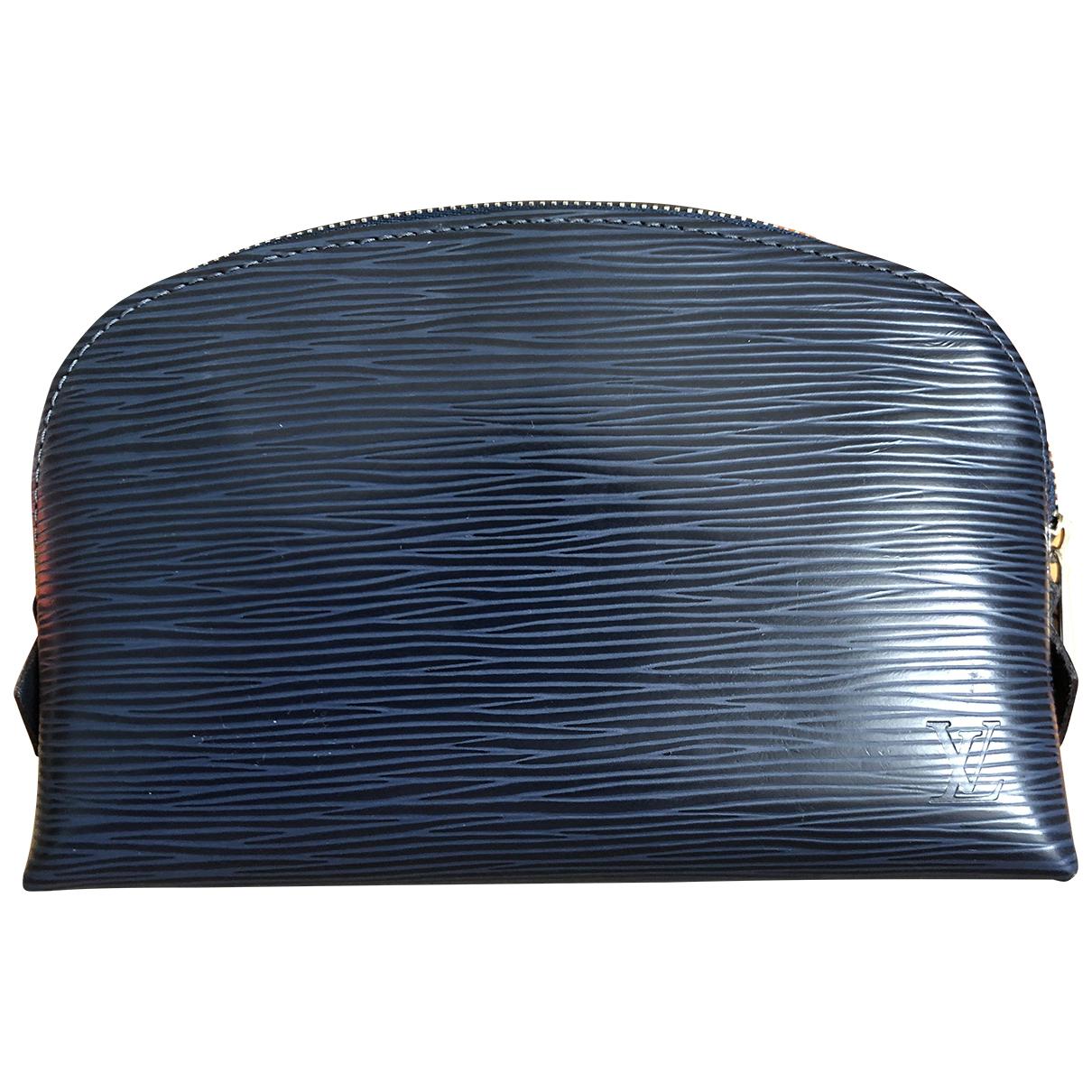 Louis Vuitton \N Clutch in  Blau Leder