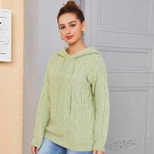 Pullover mit sehr tief angesetzter Schulterpartie und Kapuze