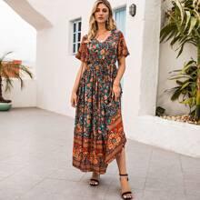 Maxi Kleid mit Schmetterlingaermeln und Blumen Muster