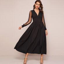 Kleid mit V Kragen, Empire Taille und Netzstoff Ärmeln