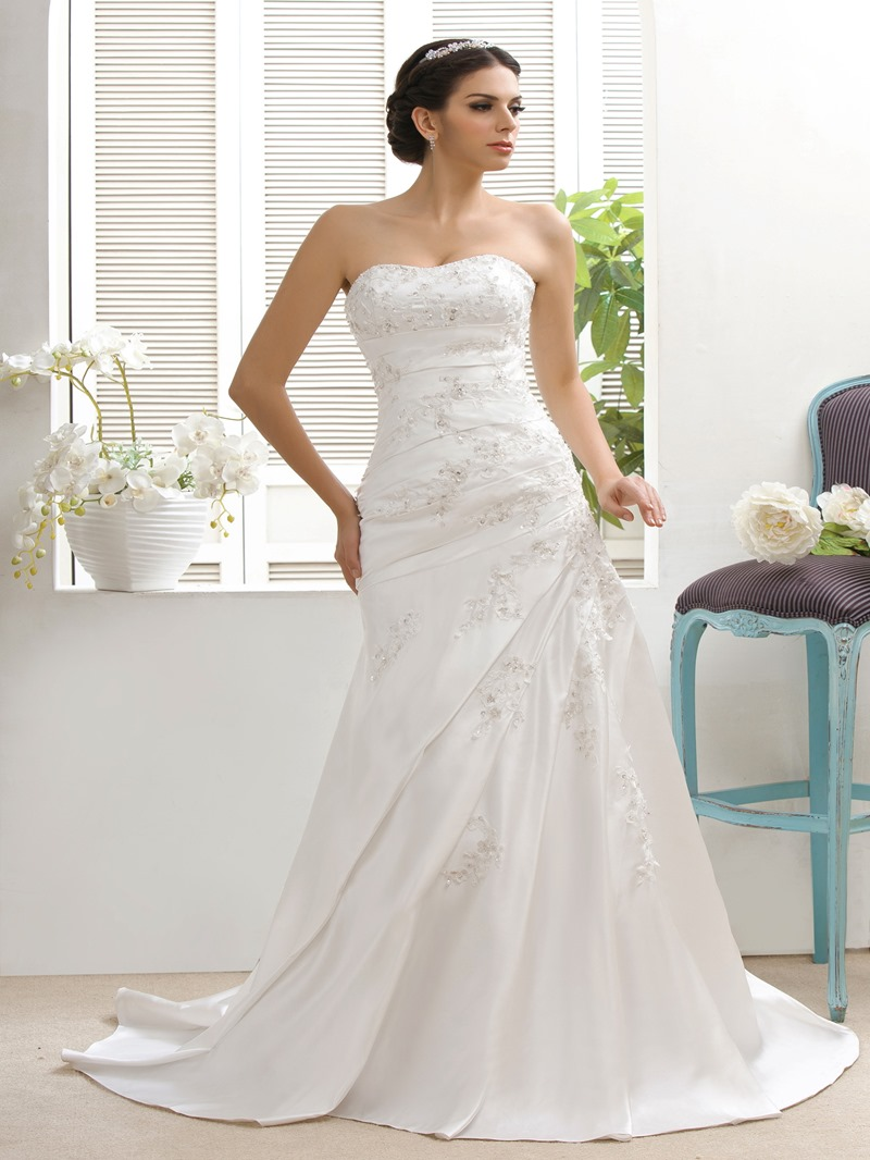 Ericdress Strapless Appliques Sequins Bridal Gown