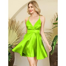 HouseOfChic Neon Lime rueckenfreies Satin Cami Kleid mit Kreuzgurt