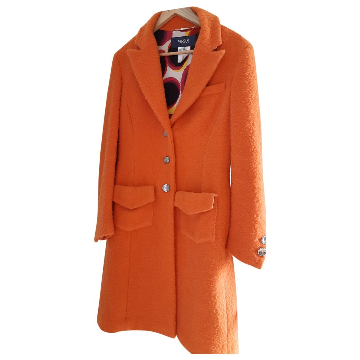 Versus \N Maentel in  Orange Wolle