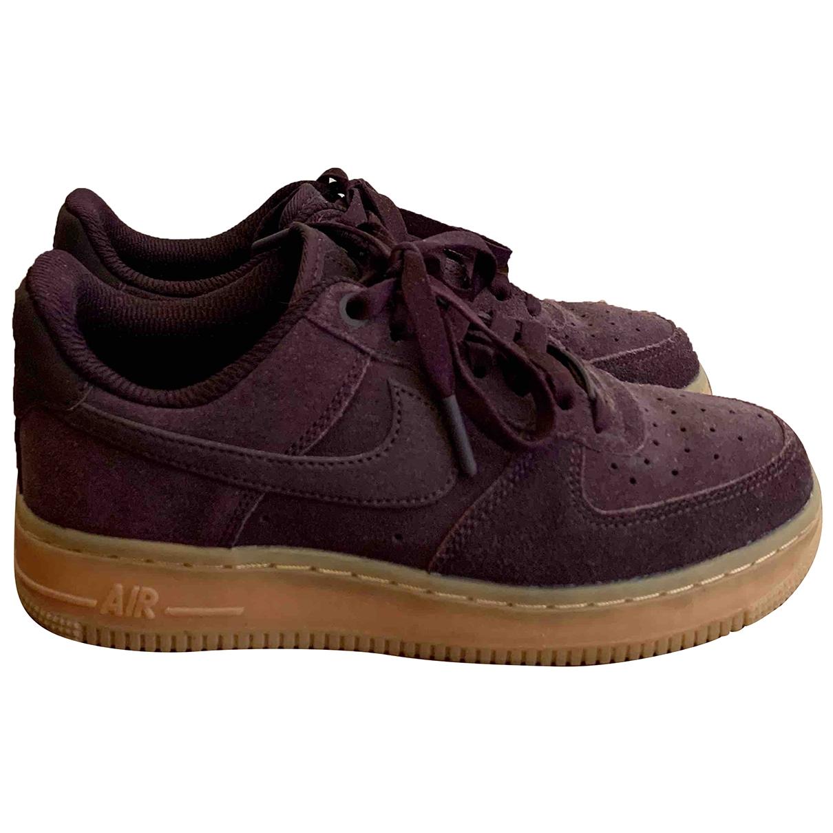 Nike - Baskets Air Force 1 pour femme en suede - violet