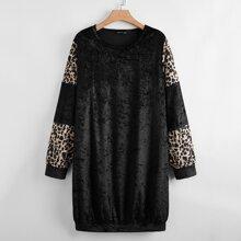 Langes Samt Sweatshirt mit Gepard Muster
