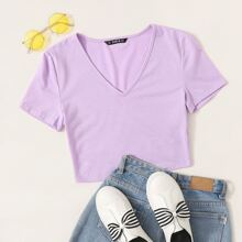 V-neck Form Fitted Crop Tee