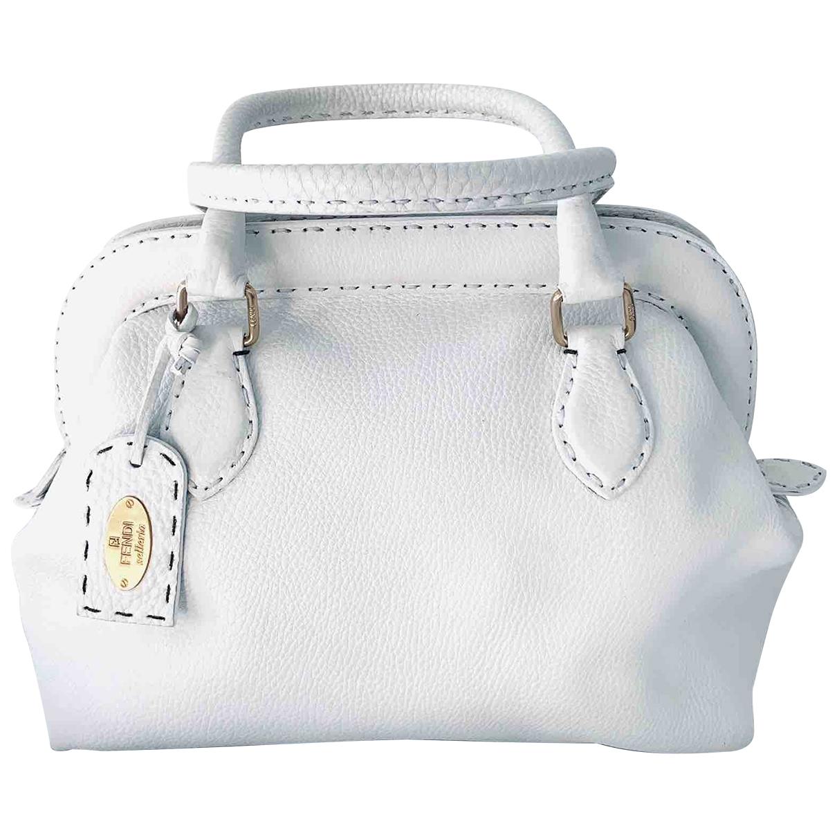 Fendi \N White Leather handbag for Women \N
