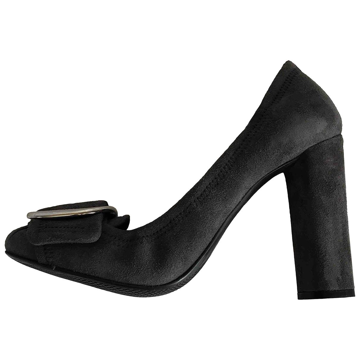 Prada \N Grey Leather Heels for Women 35 EU