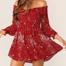 Schulterfreies Kleid mit Kreuzgurt, Wickel Design und Bluemchen Muster