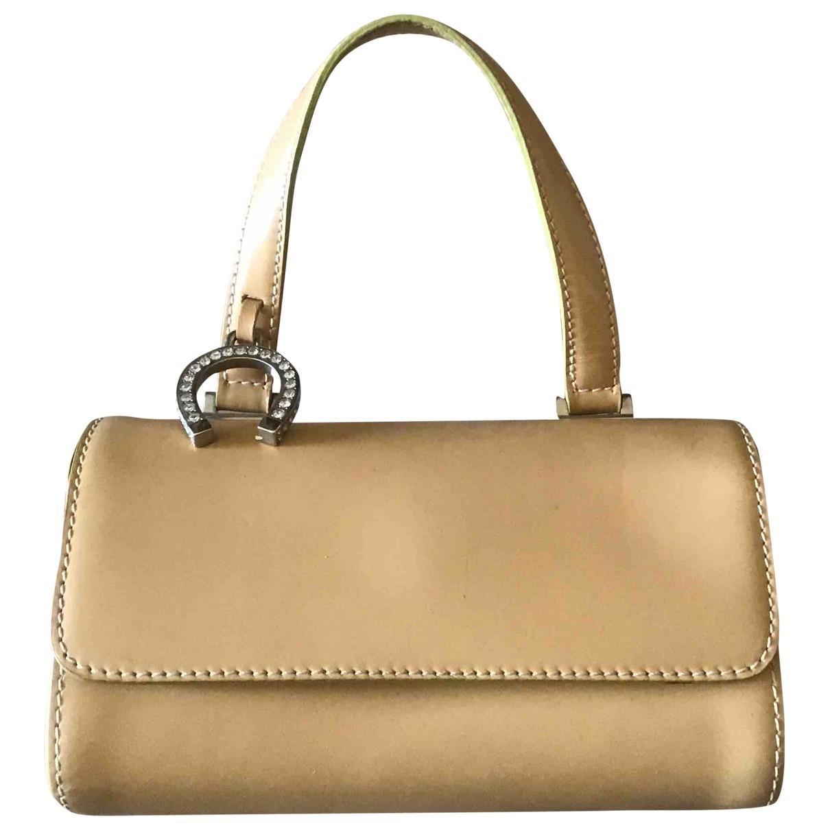 Moschino \N Handtasche in  Kamel Leder