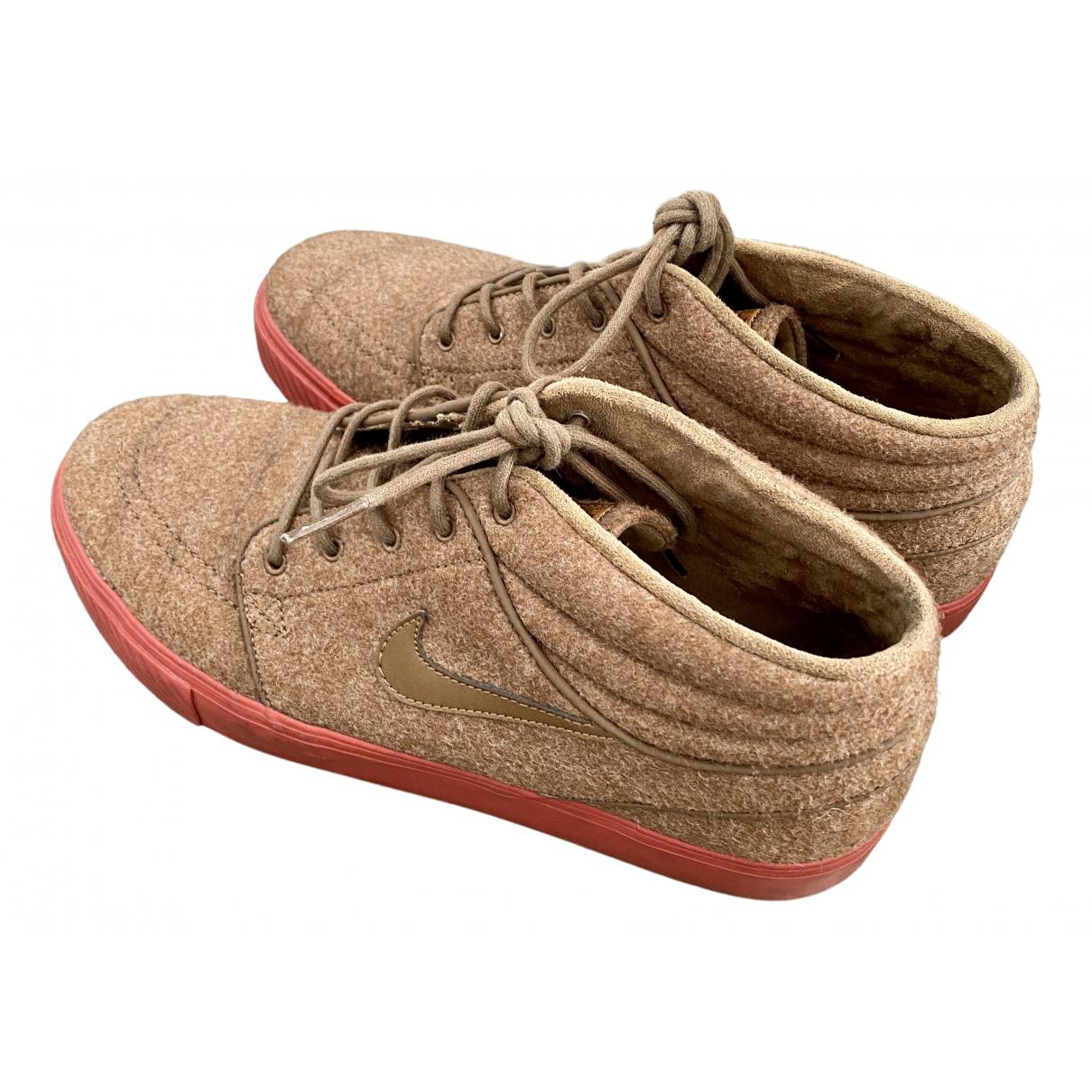Nike SB Stefan Janoski Sneakers in  Braun Polyester
