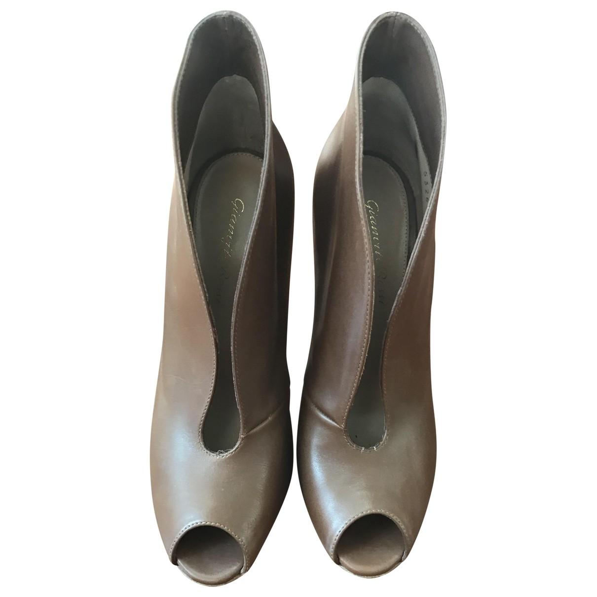 Gianvito Rossi - Sandales   pour femme en cuir - marron