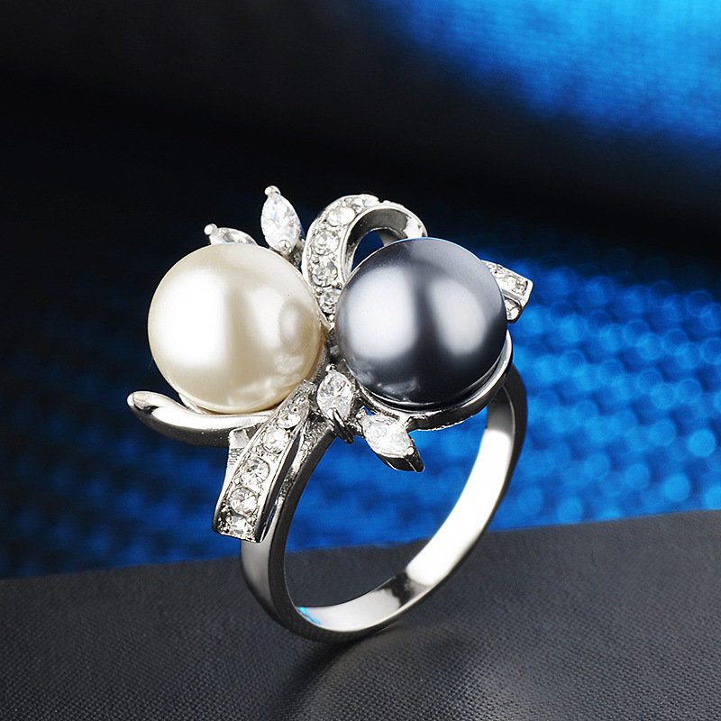 Trendy Geometric Stereoscopic Bow Rhinestone Finger Rings Two-tone Pearl Inlaid Rings Chic Jewelry