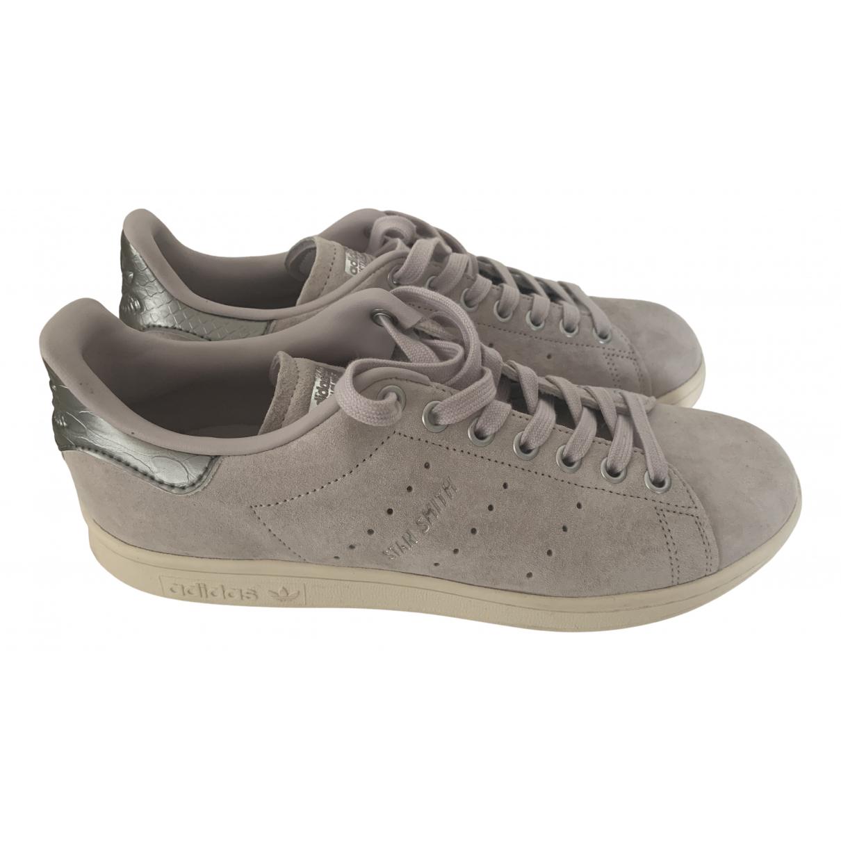 Adidas Stan Smith Sneakers in  Lila Veloursleder