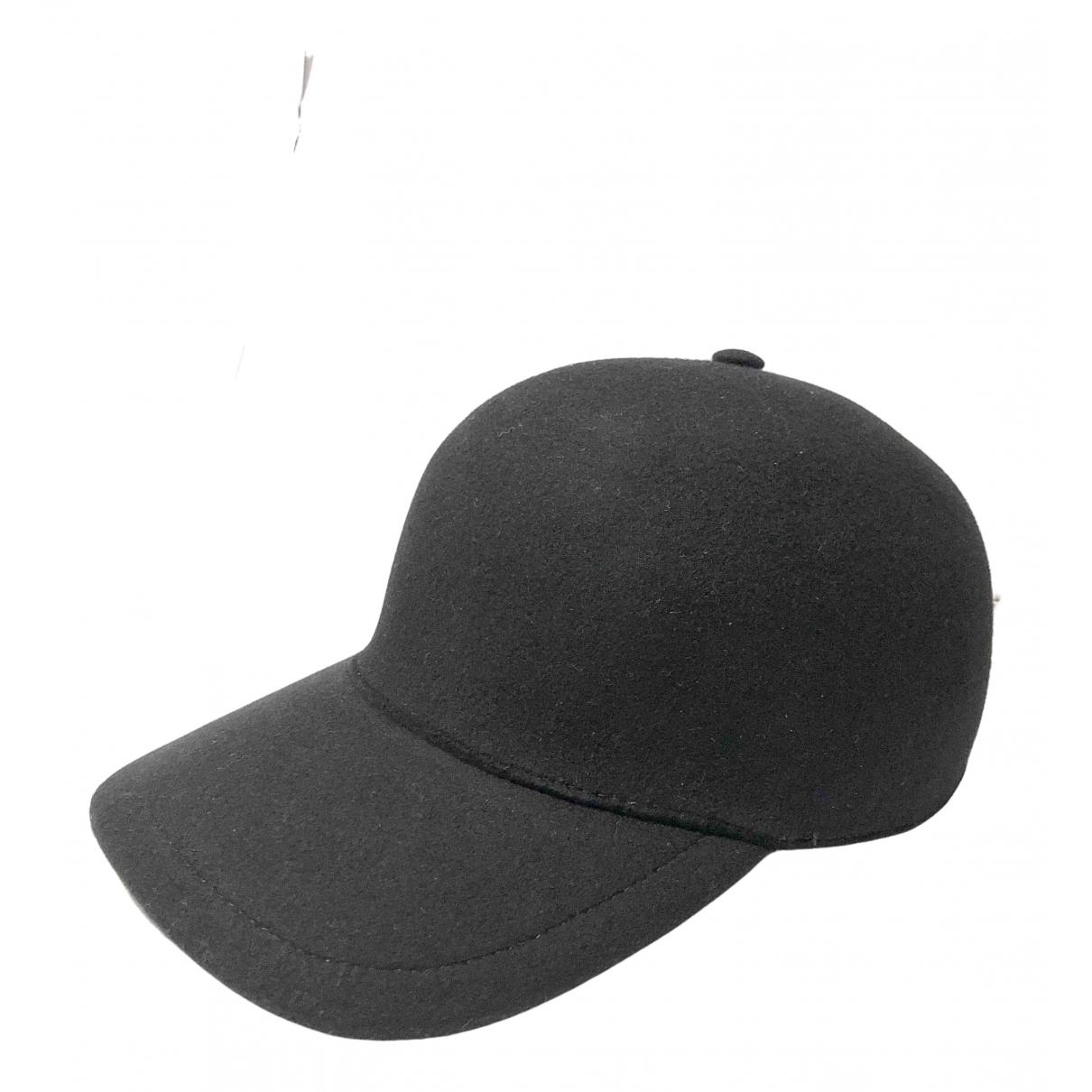 Burberry \N Black Wool hat for Women S International