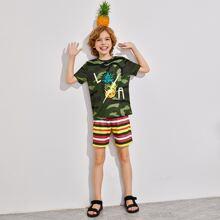 Jungen T-Shirt mit Ananas und Camo Muster und Shorts mit Streifen Set