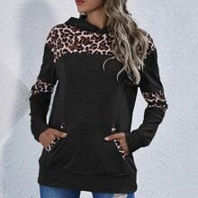 Capucha de leopardo con bolsillo