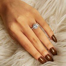 Anillo con grabado de diamante de imitacion  1 pieza