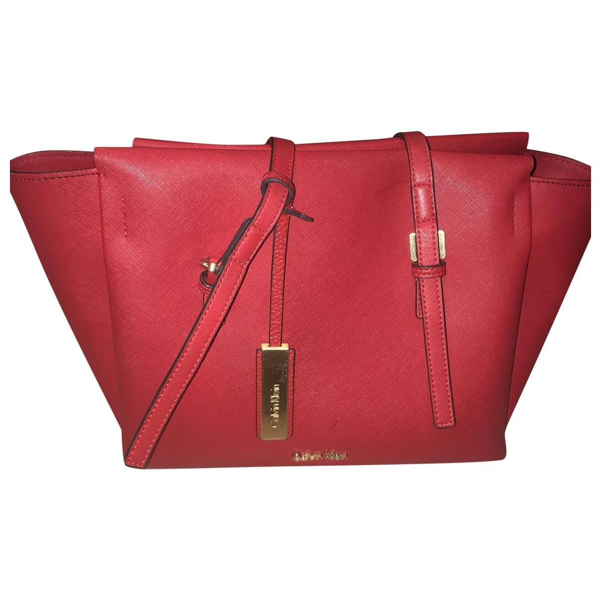 Calvin Klein \N Handtasche in  Rot Leder