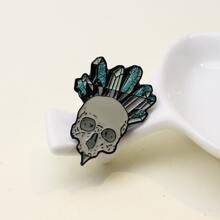 Skull Design Brooch