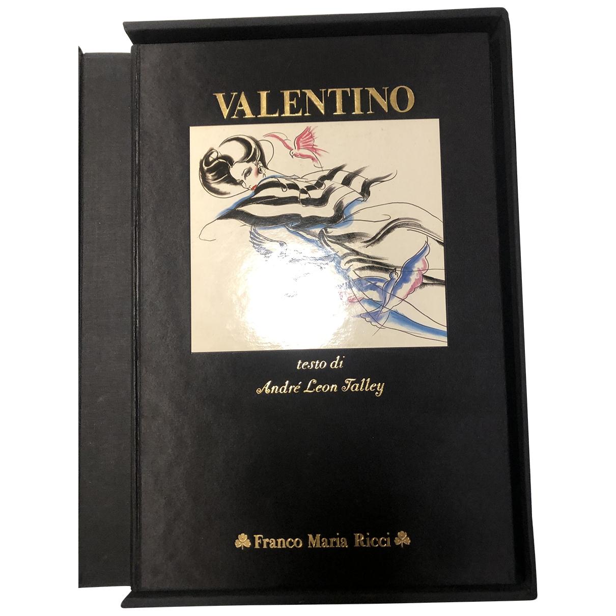 Valentino Garavani - Mode   pour lifestyle en autre