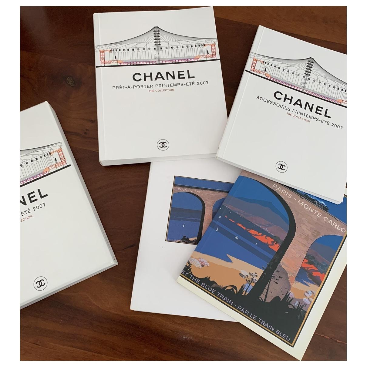 Chanel \N Fotografie Bunt