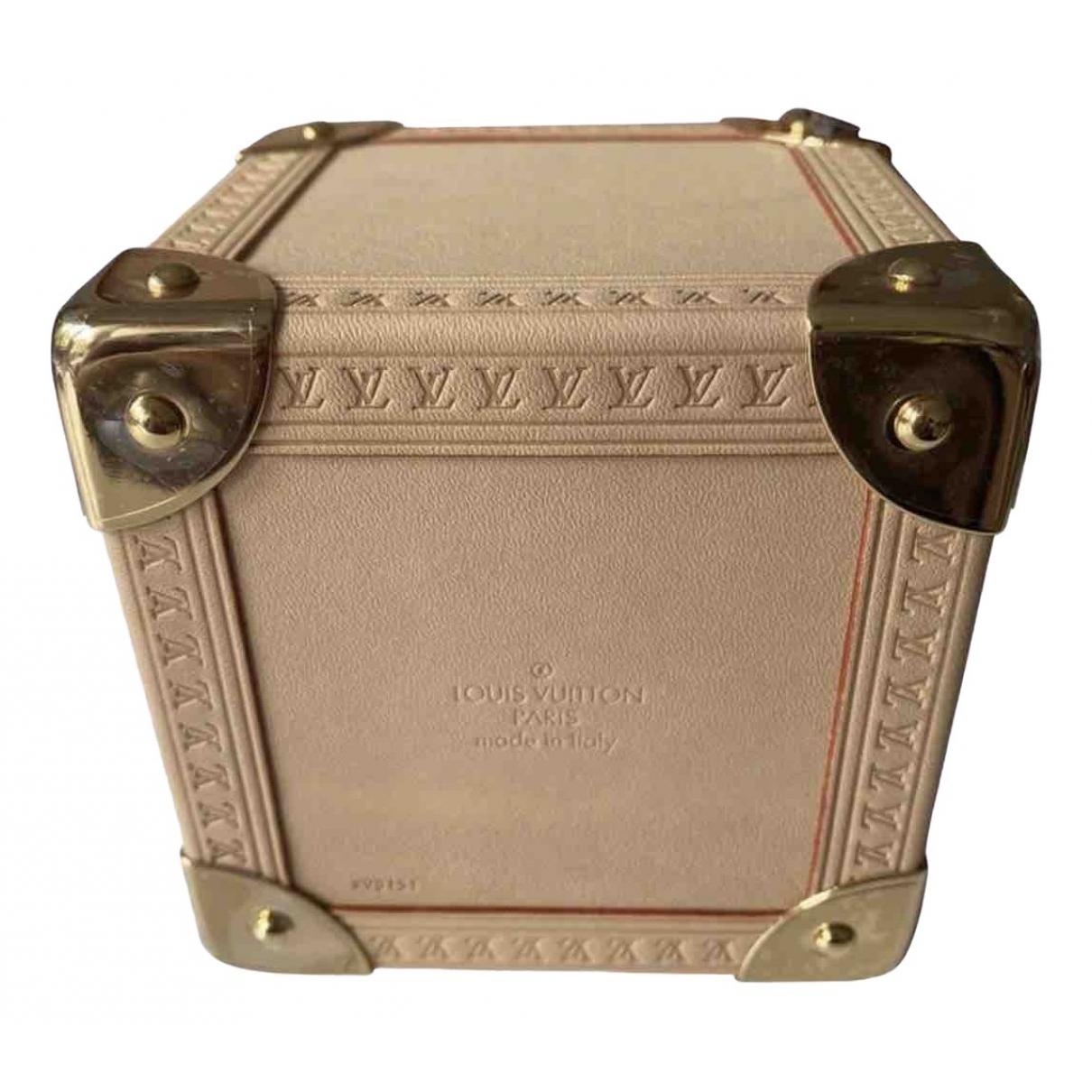 Louis Vuitton \N Accessoires und Dekoration in  Beige Leder