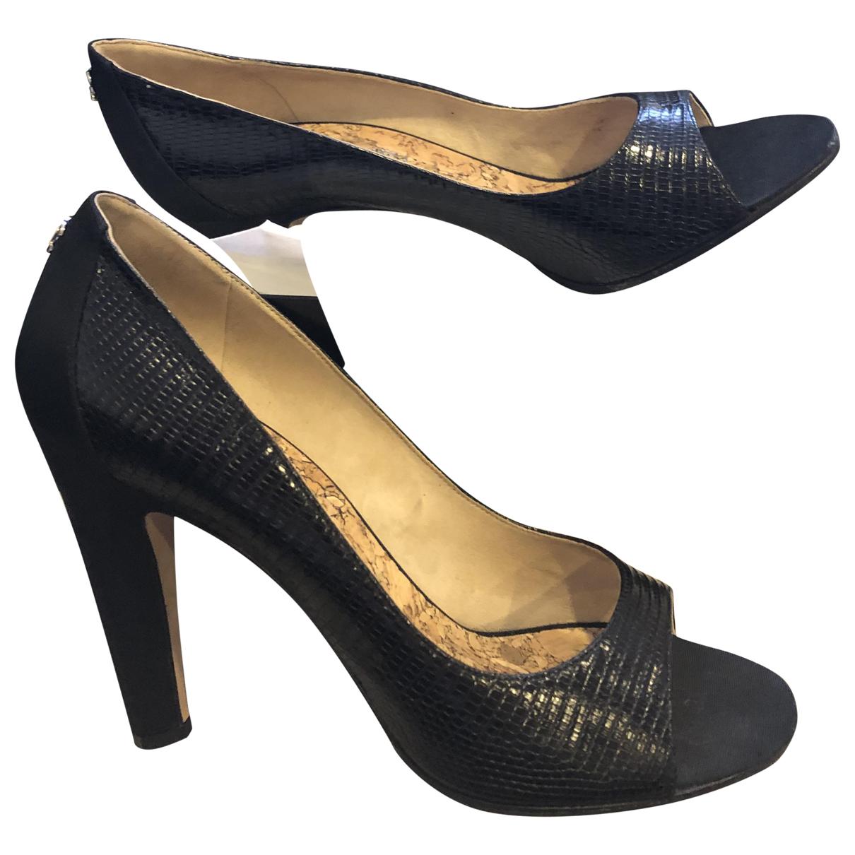 Chanel \N Black Leather Heels for Women 41 EU