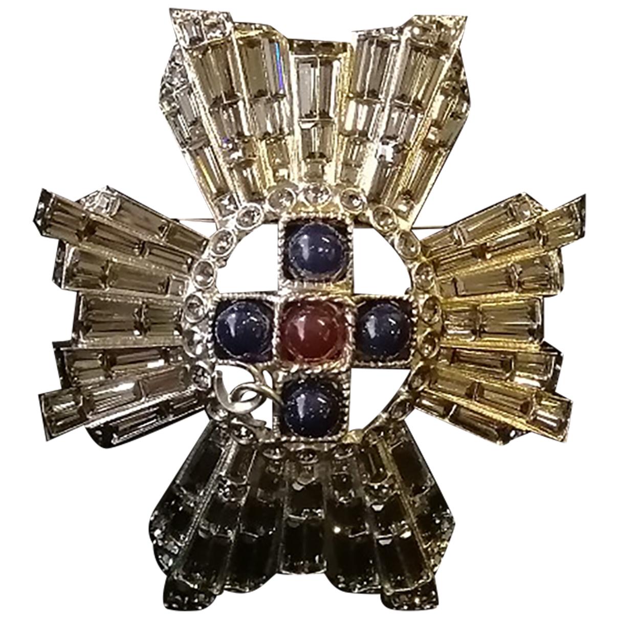 Chanel - Broche   pour femme en metal - bordeaux