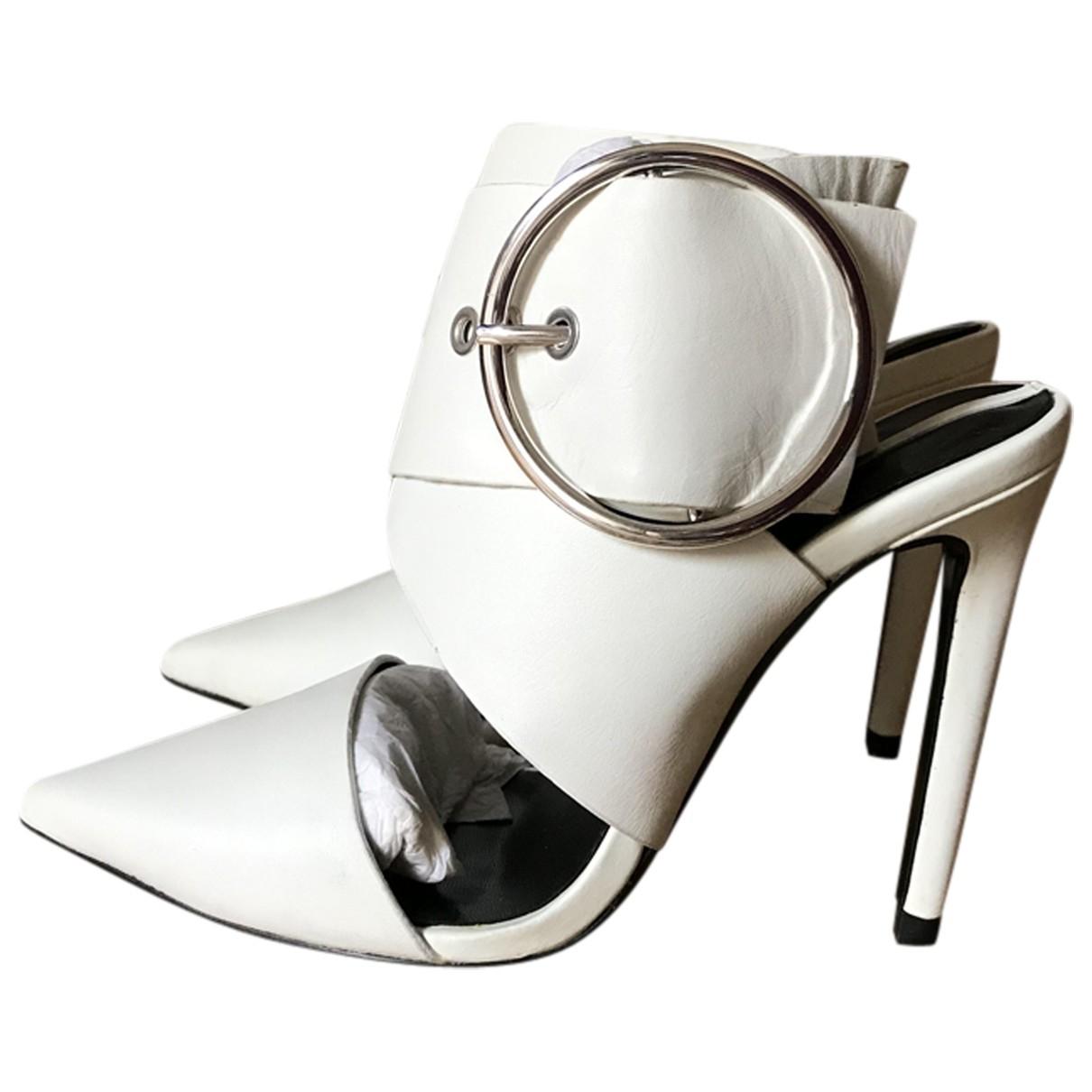 Zara \N Pumps in  Weiss Leder