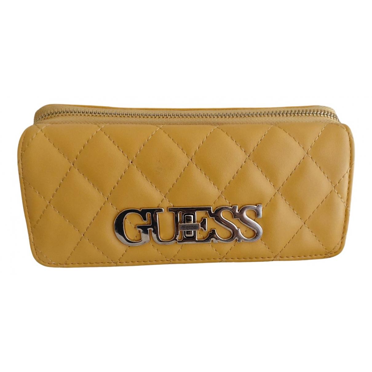 Guess - Portefeuille   pour femme en cuir - jaune