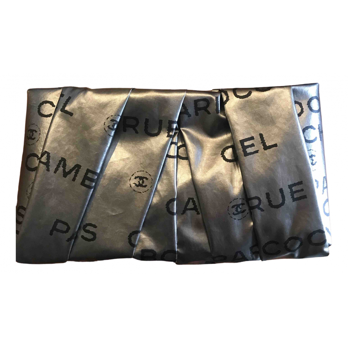 Chanel \N Clutch in  Silber Leinen