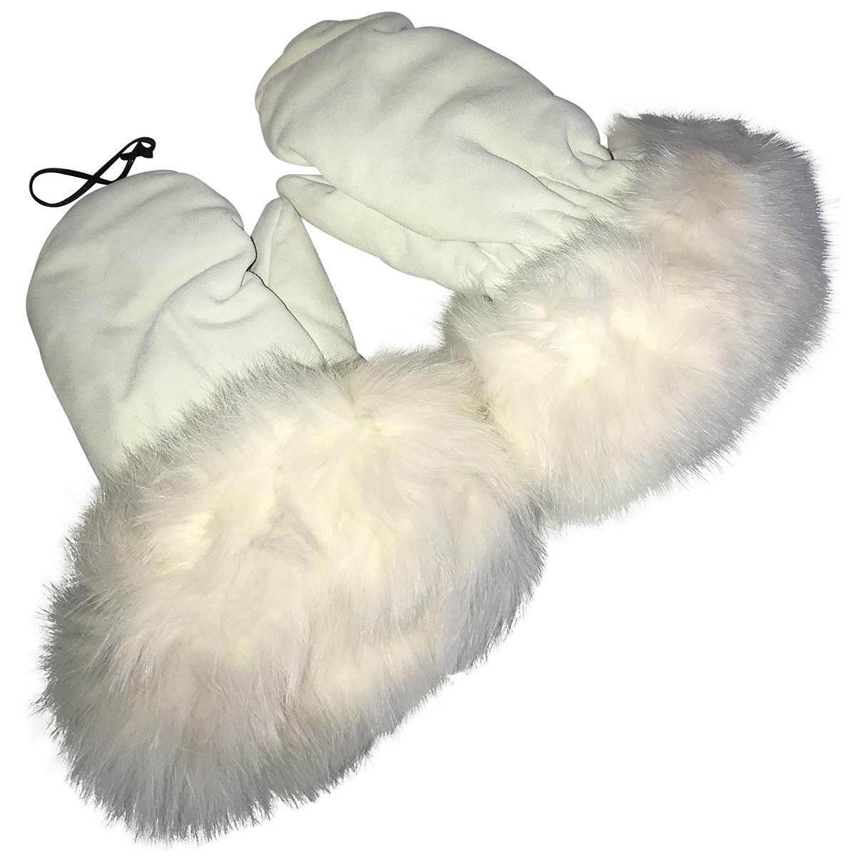 Fendi \N White Fox Gloves for Women M International