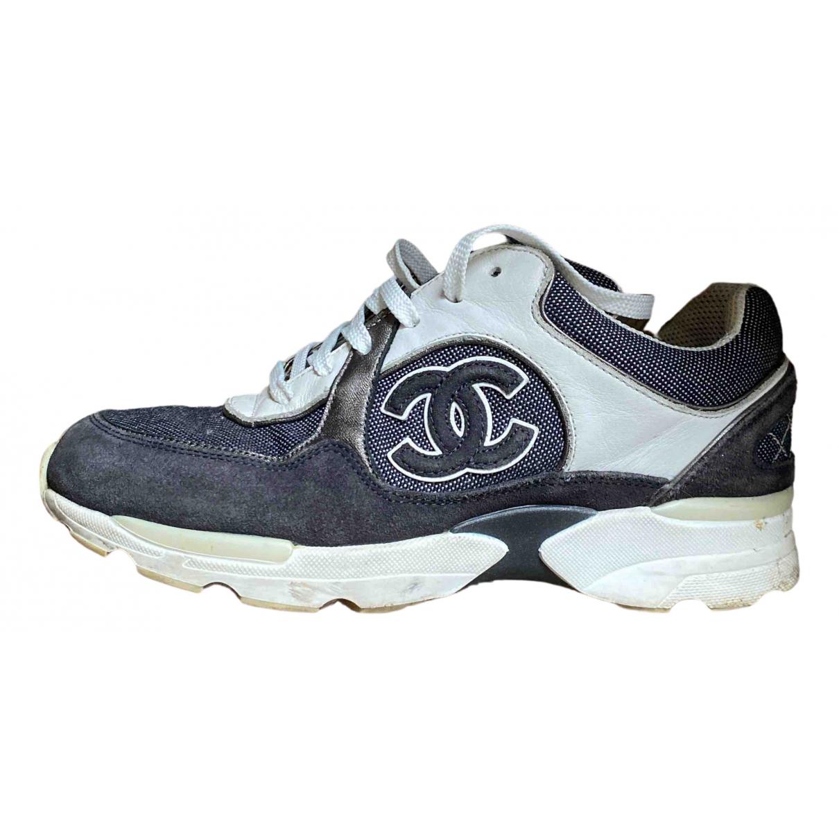 Chanel \N Sneakers in  Grau Veloursleder