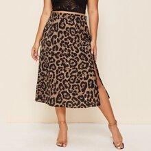 Falda bajo con abertura con estampado de leopardo