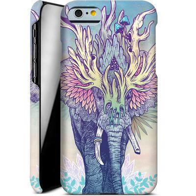 Apple iPhone 6s Smartphone Huelle - Spirit Elephant  von Mat Miller