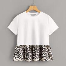 Top mit Cut-and-Sew, Leopard Muster und Schosschen