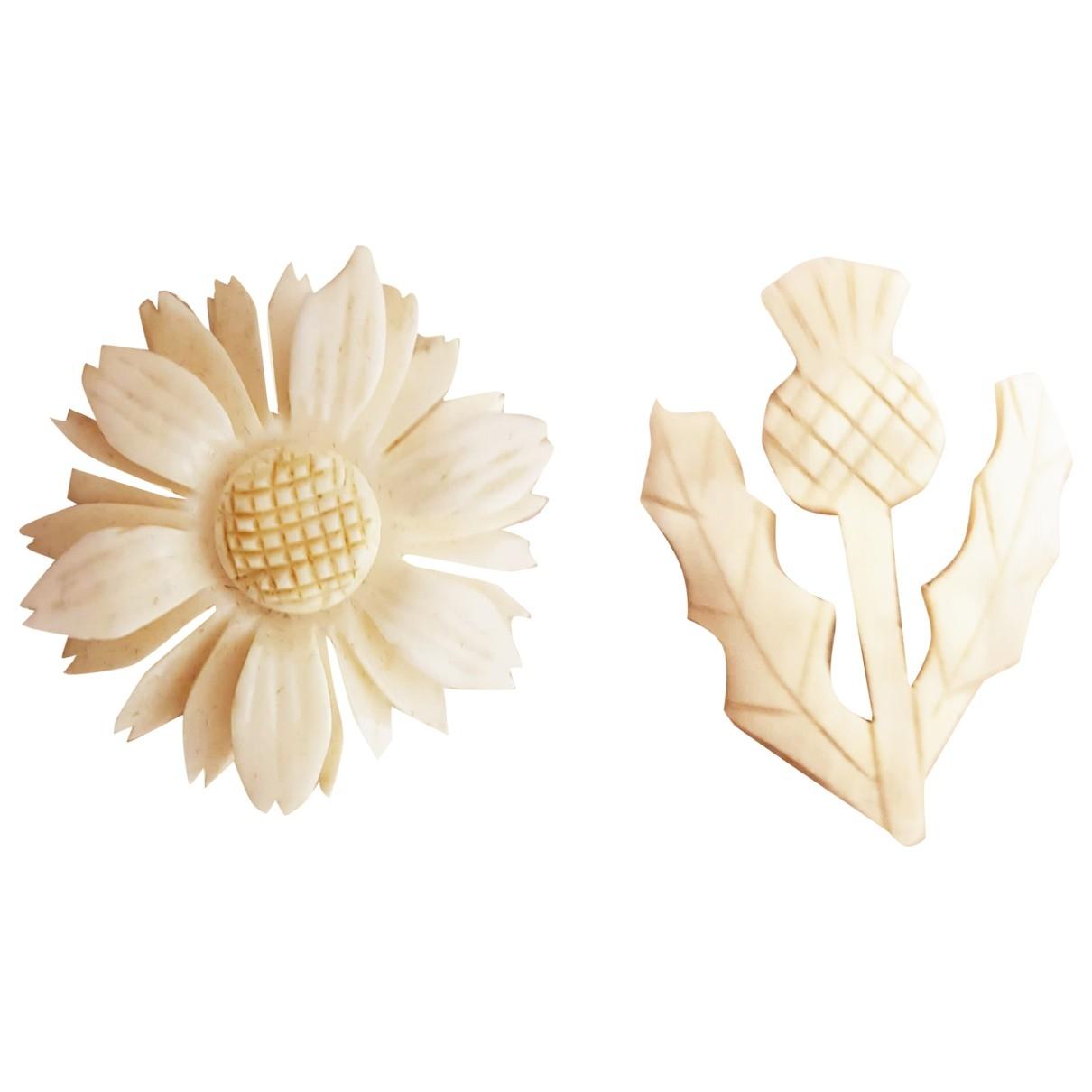 - Broche Motifs Floraux pour femme en corne - ecru