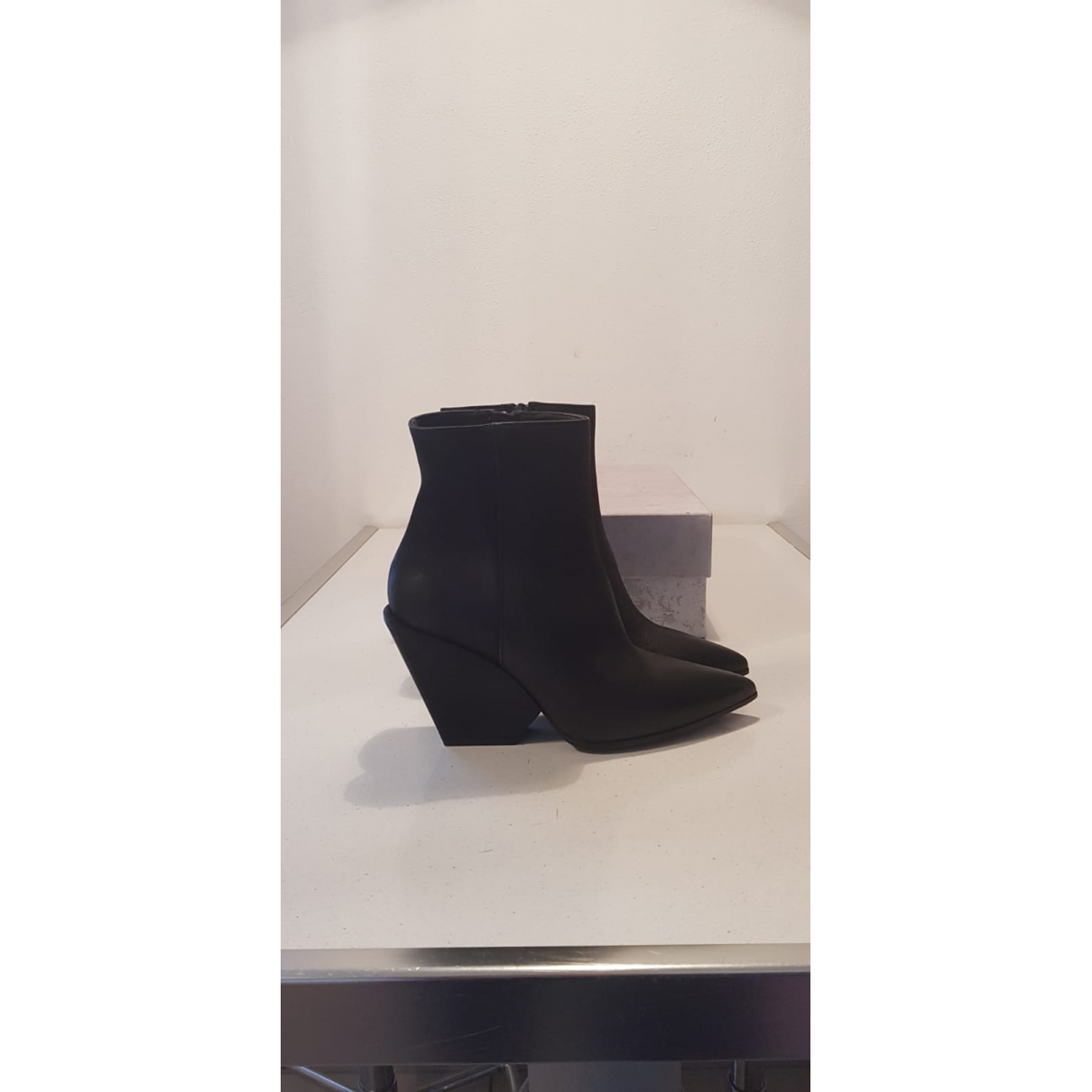 Elena Iachi \N Black Leather Ankle boots for Women 37 EU