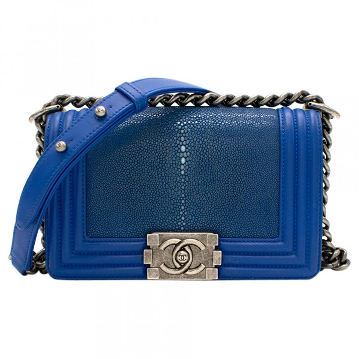 Chanel Boy Handtasche in  Blau Rochen