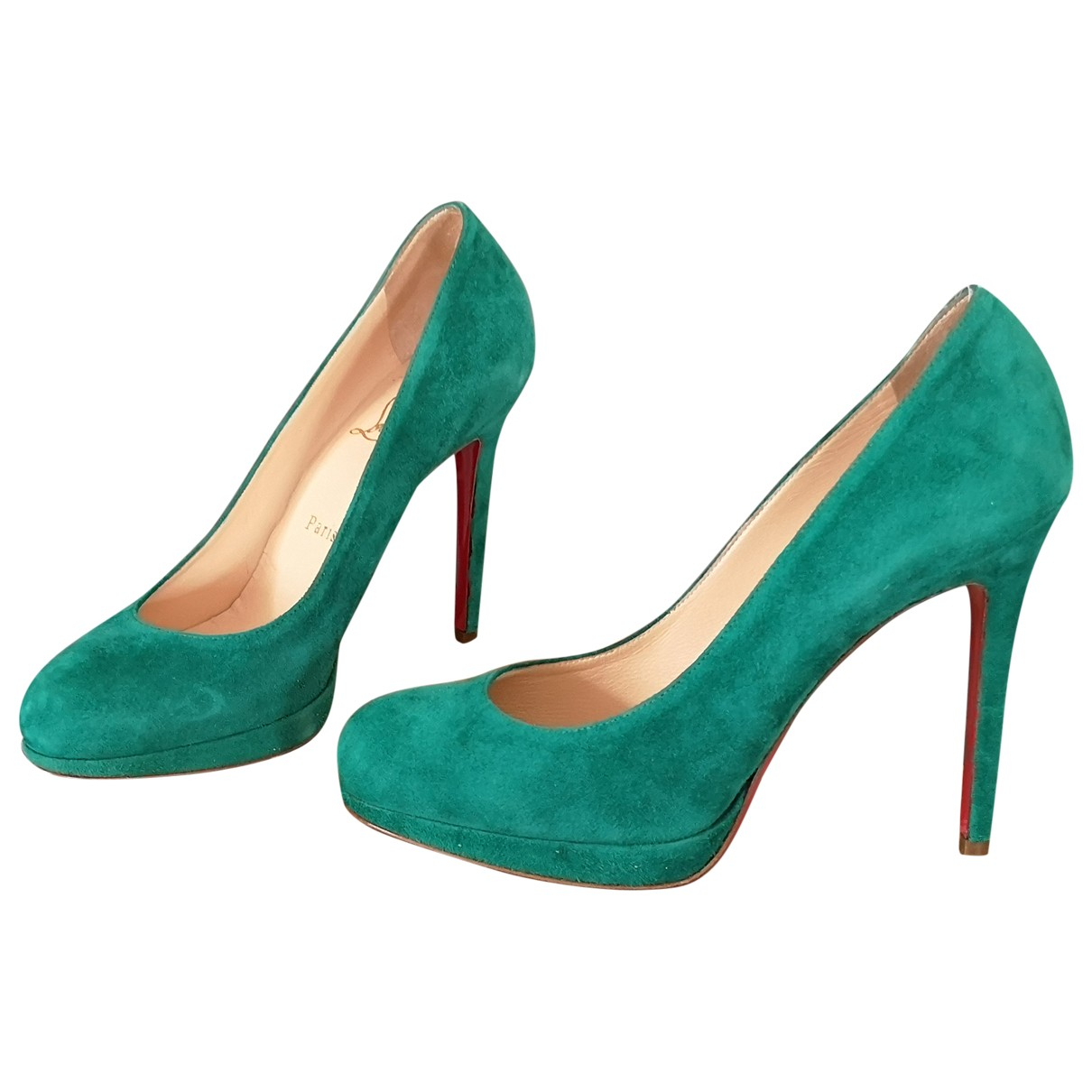 Christian Louboutin Simple pump Pumps in  Gruen Veloursleder
