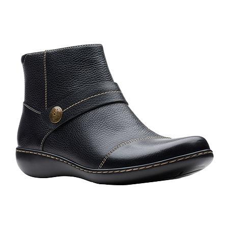 Clarks Womens Ashland Pine Booties Flat Heel, 7 1/2 Wide, Black