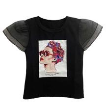 Camiseta de niñitas con estampado de figura panel con malla