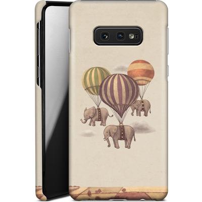 Samsung Galaxy S10e Smartphone Huelle - Flight Of The Elephants von Terry Fan